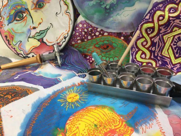 Waxmeltingtools with batik samples